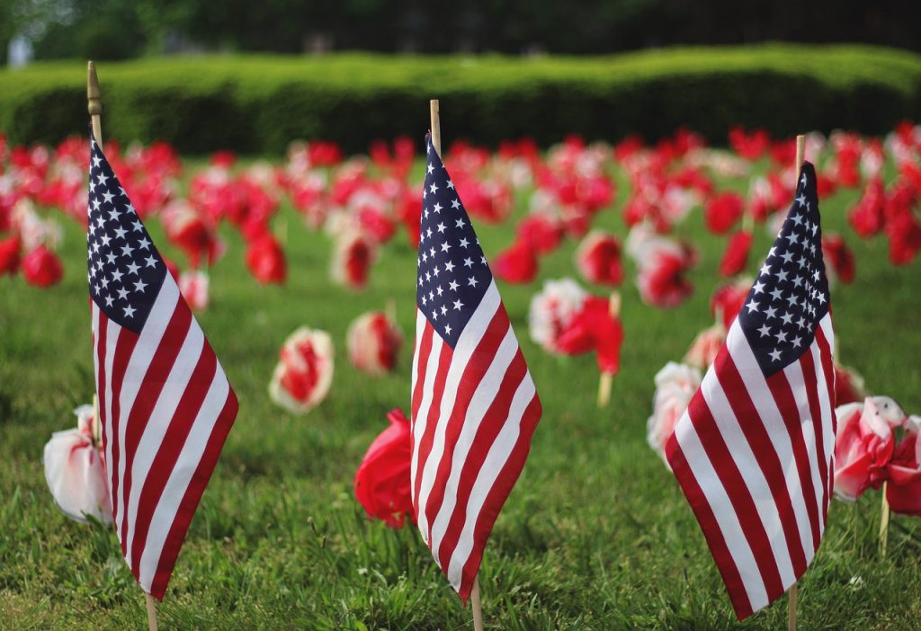 memorial day flags and flowers
